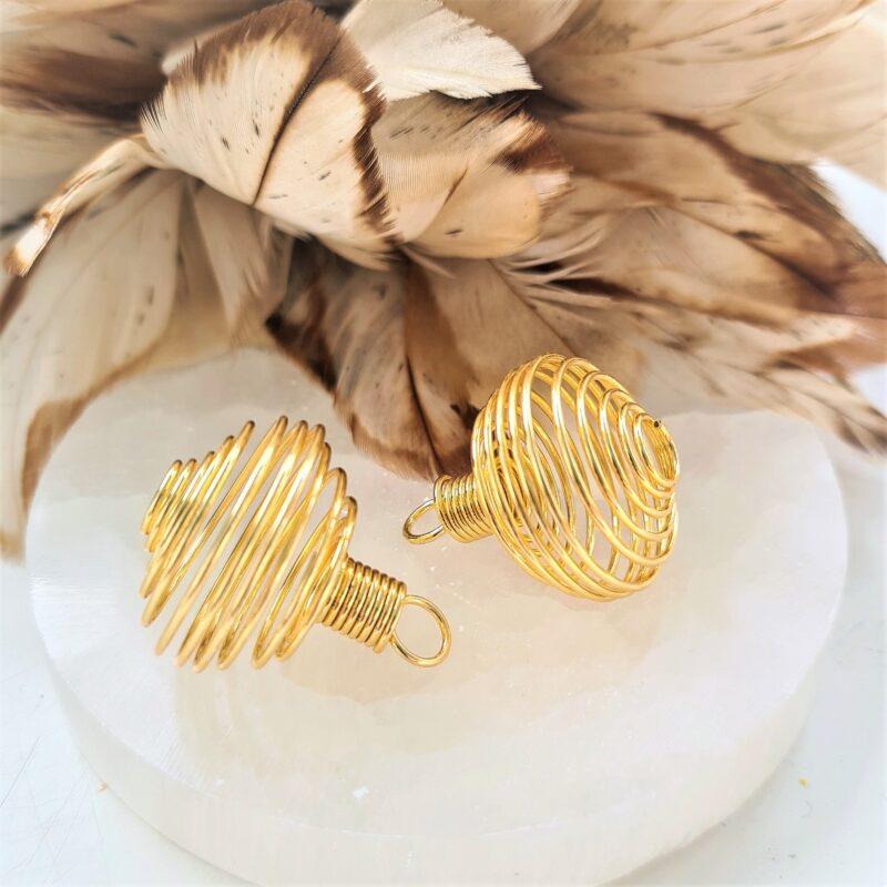 Spiral – stor med ögla – guldfärgad